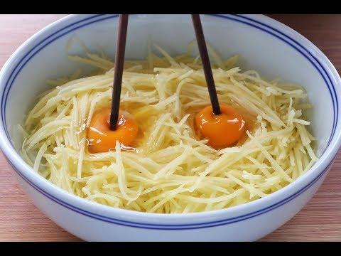土豆絲裏加2個雞蛋,做成早餐,又香又好吃,出鍋吃到停不下來!【美食達人計劃】
