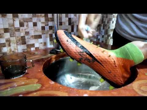 Cómo Limpiar Tus Botas Hypervenom 3(How To Clean Your Hypervenom 3 Boots)/Lifestyle Of Free Kick