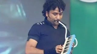 Devi sri prasad ultimate ' violin ' song live performance - iddarammayilatho audio release