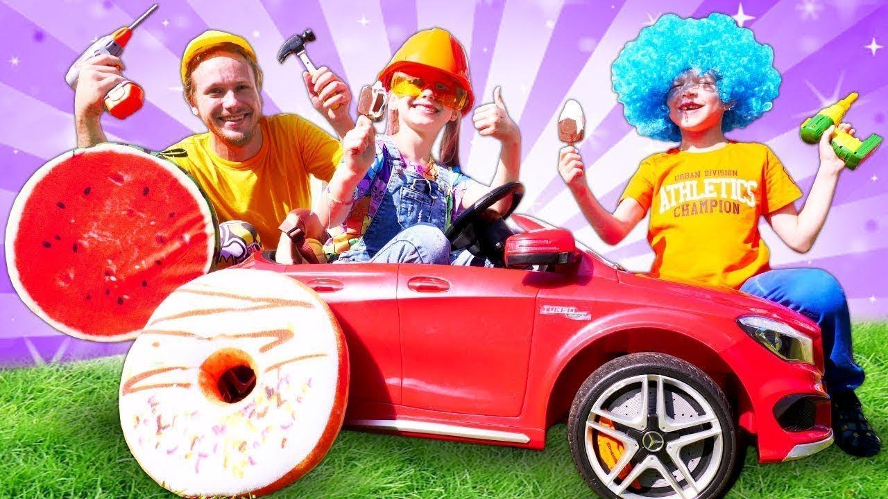 Çocuk oyunları. Mercedes çocuk arabasını tamir ediyoruz! Oyuncak videosu