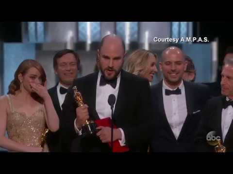 Thumbnail: 'Moonlight' or 'La La Land'? Best Picture Mix-up at Oscars