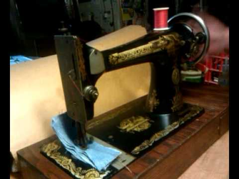 Antique 40 Singer 40 Sphinx Treadle Sewing Machine G40 YouTube Stunning 1915 Singer Sewing Machine