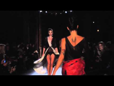Zac Posen Spring / Summer 2011 Collection Runway Video - Paris Fashion Week