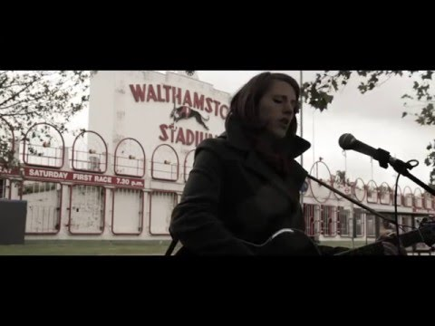 Nicky Phillips - Hold Your Horses (Acoustic Series)
