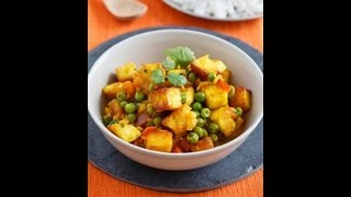 Matar Paneer (Cottage Cheese and Peas gravy)