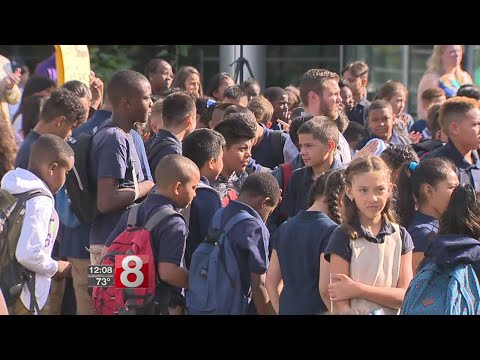 Back to school in New Haven, still without budget