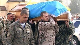 У Коломиї поховали воїна АТО Євгена Грода(У Коломиї поховали Євгена Грода. Наш земляк загинув у зоні проведення АТО. Йому було лише 34 роки. У Євгена..., 2015-11-09T14:55:35.000Z)