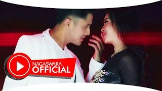 Download Video Ucie Sucita & Hengky K - Kalau Bulan Bisa Ngomong (Official Music Video NAGASWARA) #music MP3 3GP MP4