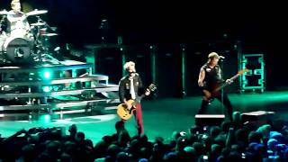 "Green Day - Cigarettes and Valentines (""NEW"" song for live album) @ Denver, CO [August 28, 2010]"