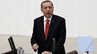 Турецкая армия получила разрешение на операции в Сирии и Ираке
