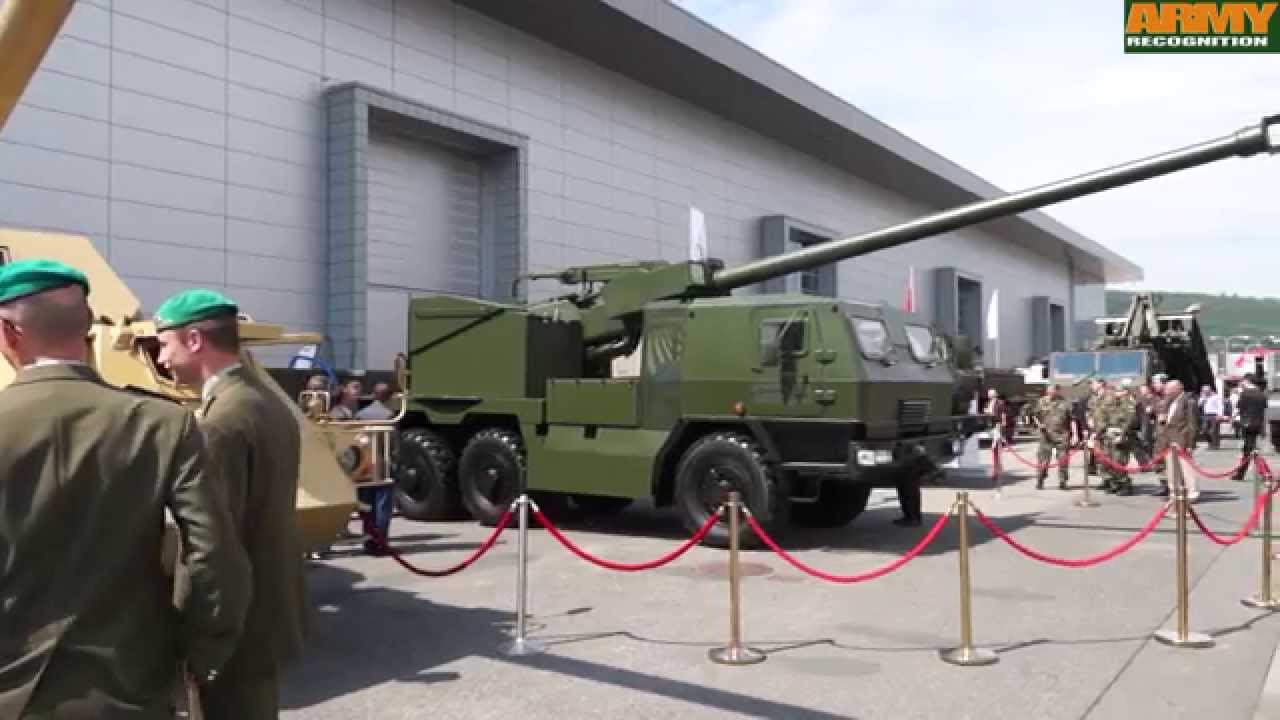 EVA Konstrukta Defence 155mm 6x6 self propelled howitzer gun Slovakia IDET  2015 defense exhibition B