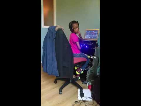 My 10 year old son doing his ting up coming 3g sound dj curly lox3gs