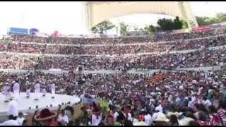 Miles de #turistas disfrutan 2ª emisión de la #Guelaguetza2013, fiesta de #cultura y #tradición