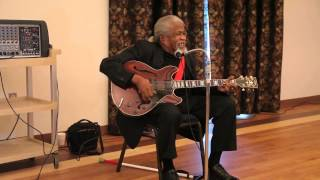 Legendary South Carolina Musician Drink Small singing the blues Columbia SC November 2014