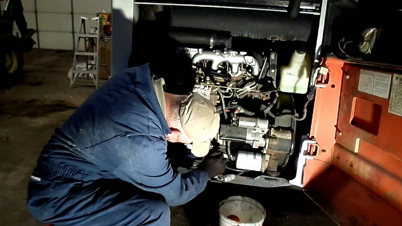 Bobcat 853 Fuel Filter Change Youtube