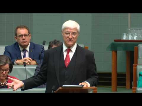 Bob Katter: we need a Royal Commission into the banks now