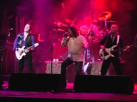 Greatest Hits Live Performs Stone in Love by Journey