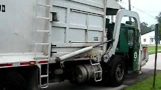 ccc wittke fl trash truck on yardwaste run in bradenton on 8 27 09