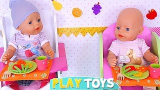 Play Twin Baby Born Dolls Lunch Time with Play Doh and Toy Food! 🎀
