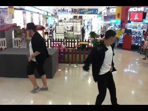 Видео: Флешмоб танцы Джексона часть 2