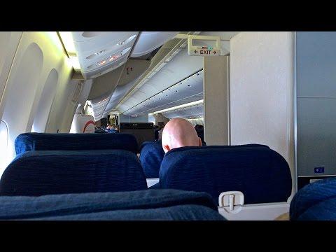 United Flight 219 Boeing 777-200ER Economy Class Trip Report | Chicago - Honolulu