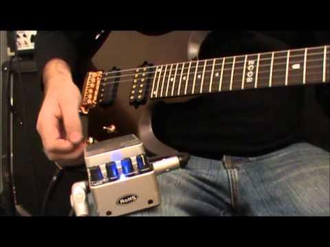 Behringer DD400 digital delay pedal review.