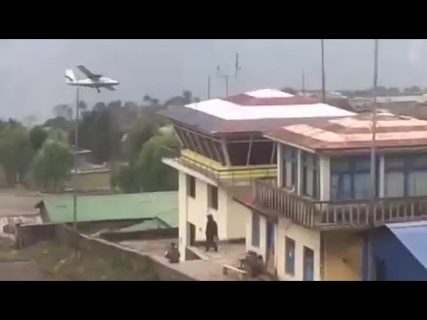 Twin otter overshoots Lukla airport, aborted landing scary video