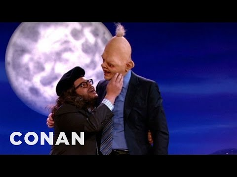 Josh Gad Recreates His Favorite Goonies Scene