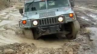 Hummer H1 offroading