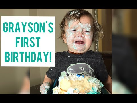 Mini Mama presents Grayson's 1 year Birthday Smash Cake  August 1, 2017