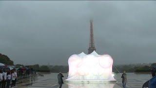 #Paris2024 Les anneaux des #JO dévoilés sur le parvis du Trocadéro http://bit.ly/2x0H3mO
