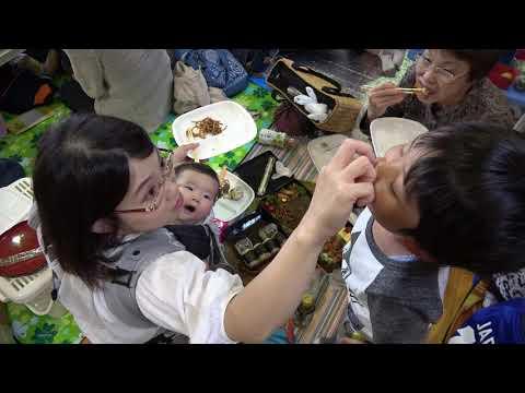 幼稚園の運動会でお弁当食べるのだ。