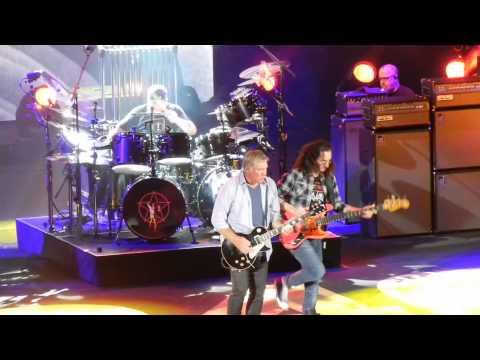 Rush R40 Live Irvine July 30 2015 - Spirit of Radio