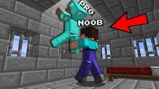 DANGEROUS ESCAPE! In MINECRAFT : NOOB vs PRO