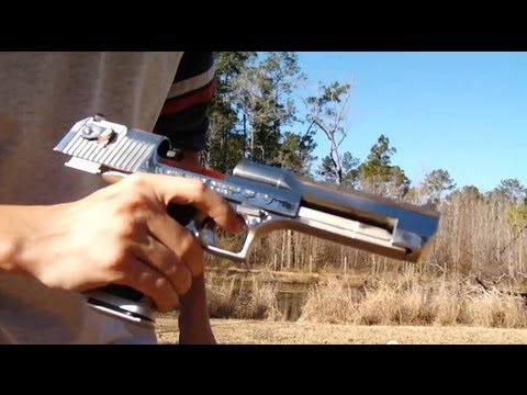Desert Eagle .50AE shooting