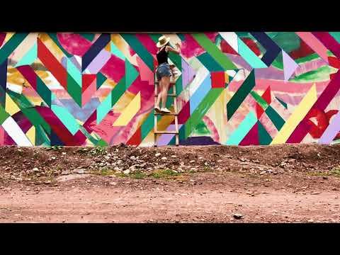 Pops of Colour in Peru!