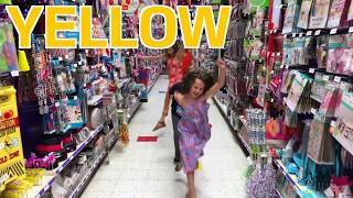 Learn English Colors! Party Store Floor Colors with Sign Post Kids!