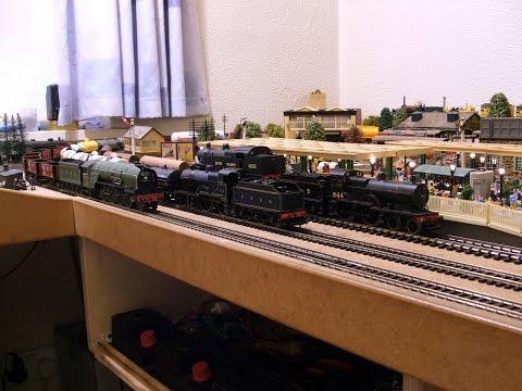 Two 2P's & a P2 On Freight Haulage Duties + 2 x 4P's, a 2P & 2 x class 1400's. Hornby Triang Dapol.