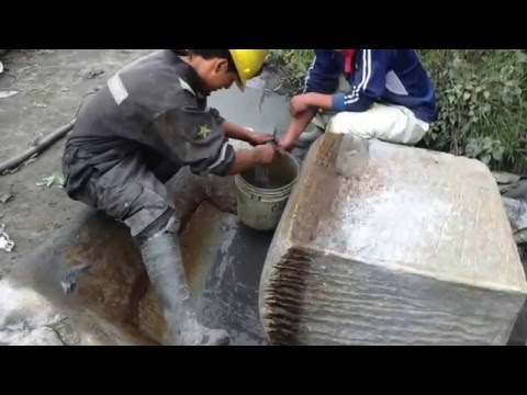 Gold Extraction using Mercury (quimballet method)