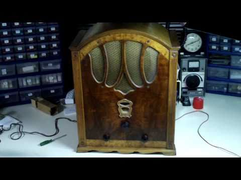 "1932 Crosley Tombstone Radio Model 127 ""Ten Strike"""