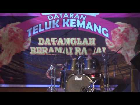 AIMAN DRUMMER & KHALIS & THE REAL SPIN