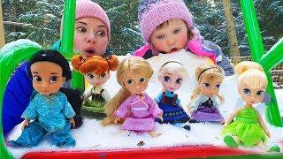 Куклы спрятались от Nastya Play с Мамой Играем игрушками