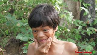Primitive Technology - Eating Delicious In Jungle - Cooking PIG HEAD For Diner #151