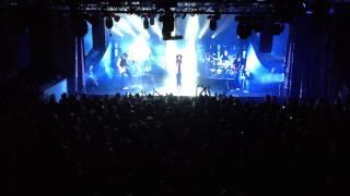 Jenni Vartiainen - Ihmisten edessä (9.11.2013 live @ The Circus, Helsinki)
