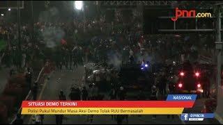 Polisi Pukul Mundur Massa Demo Anarkistis - JPNN.com