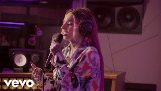 Zhavia Ward - Big Girl$ Don't Cry (Live Performance)