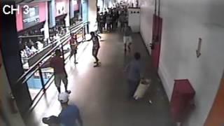 Briga em Terminal Central de Uberlândia.