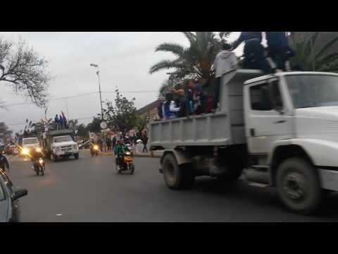 Caravana de la N1 del norte C.J.A saliendo del estadio