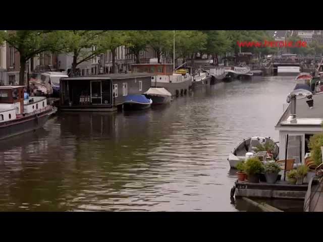 Die Highlights einer Klassenfahrt nach Amsterdam & ein Abstecher an die Nordseeküste. Jetzt reinschauen!  Alle Klassenfahrten nach Amsterdam findet ihr hier: https://www.herole.de/klassenfahrten-amsterdam  _______________________________________________________________________________________  Ihr findet uns auch auf  ► unserer Website:  https://www.herole.de ► unserem Blog:  https://www.herole.de/blog/ ► Facebook:  https://www.facebook.com/HeroleReisen ► Instagram:  https://www.instagram.com/herolereisen ► Google+: https://plus.google.com/+HeroleDe/ ► Twitter: https://twitter.com/herole_reisen  _______________________________________________________________________________________  ► Wir sind ein Reiseveranstalter für Klassenfahrten, Abifahrten und Studienreisen. Unser Team besteht aus jungen und sehr engagierten Mitarbeitern der Tourismusbranche  ► Unser Anliegen ist es, Ihnen einfach schöne Klassenfahrten zu einem erschwinglichen Preis anzubieten. Wir wissen, wie wichtig Klassenfahrten für den Klassenzusammenhalt sowie für die Förderung des Allgemeinwissens sind. Wir sind daher bestrebt, Ihnen Reisen mit spezifischen Zusatzprogrammen anzubieten, die auf Ihren persönlichen pädagogischen Anspruch zugeschnitten sind.  Impressum:  https://www.herole.de/impressum