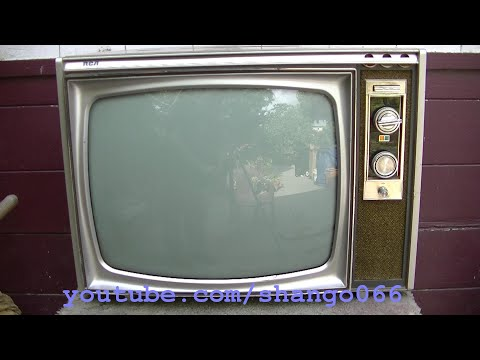 1969 RCA CTC36 Color Tube Table Top Television and Hg Tubes